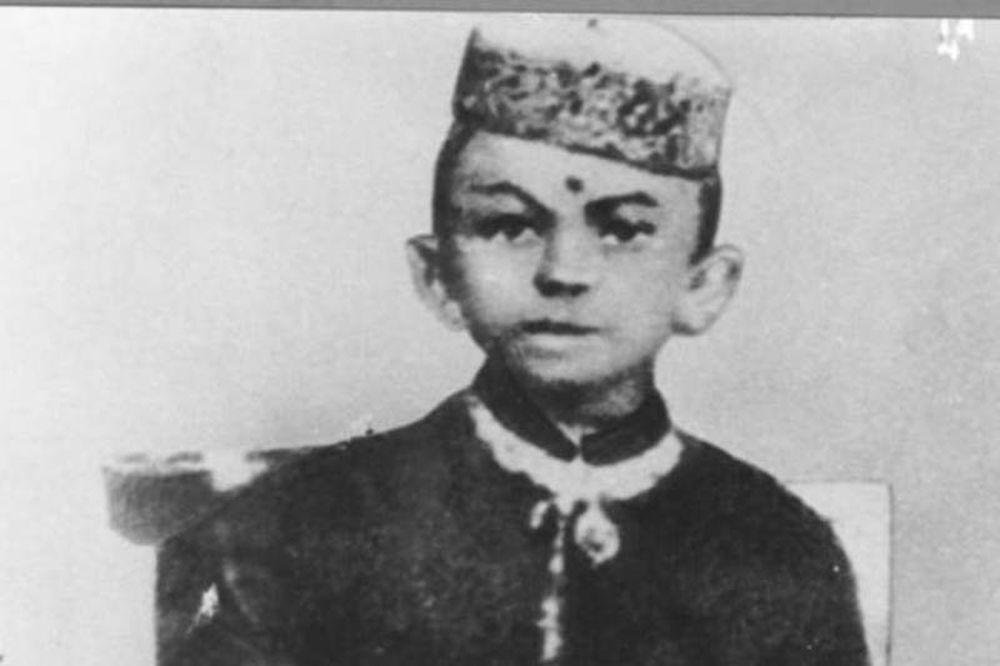 Ιστορικά πρόσωπα σε νεαρή ηλικία (pics)