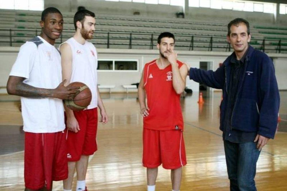 Φιλαθλητικός: Πέρασε εύκολα τον Κόροιβο