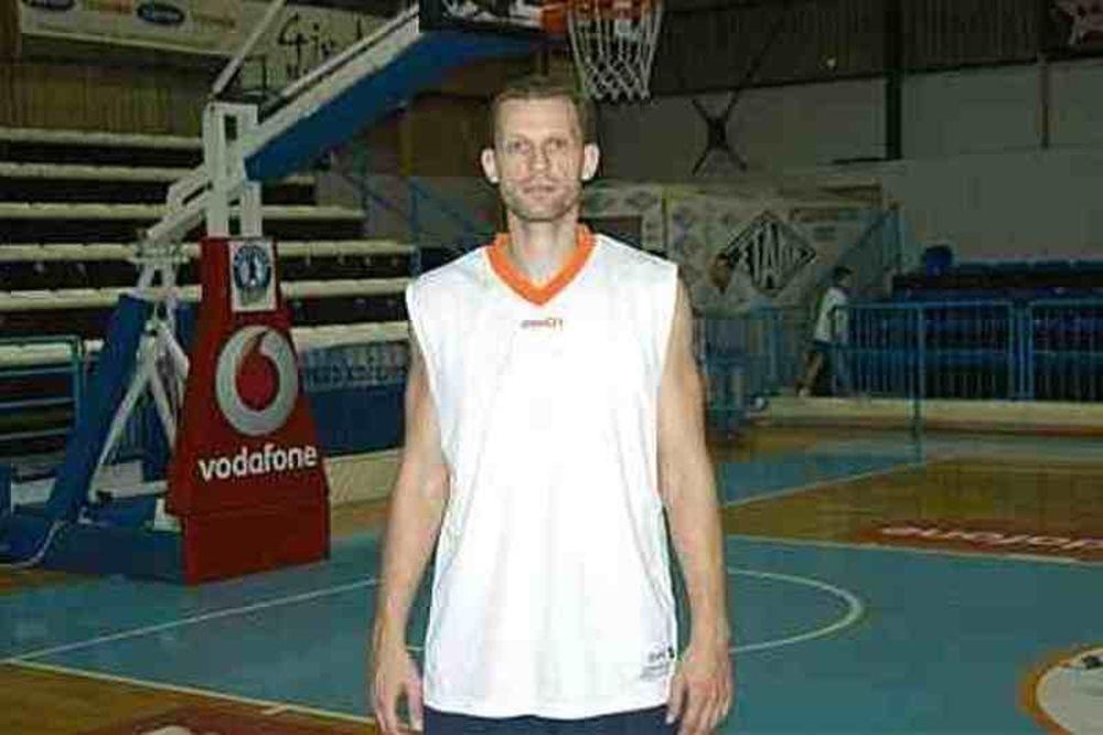 Νάτζφεϊ: «Χαρούμενος που θα παίξω στον Κολοσσό»