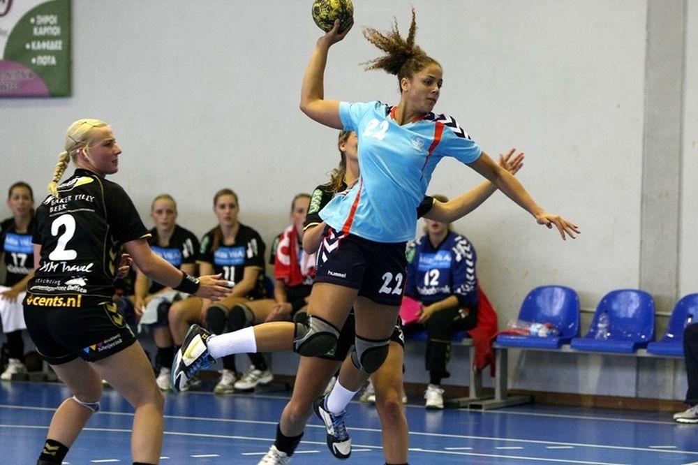 a562e64546a Κύπελλο Χάντμπολ Γυναικών: Στα ημιτελικά η Νέα Ιωνία, 22-18 την Ορμή -  Onsports.gr