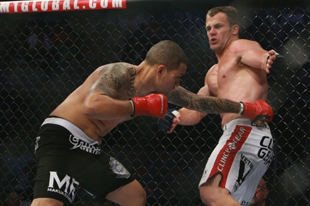 UFC 159: Τρία ακόμα ματς