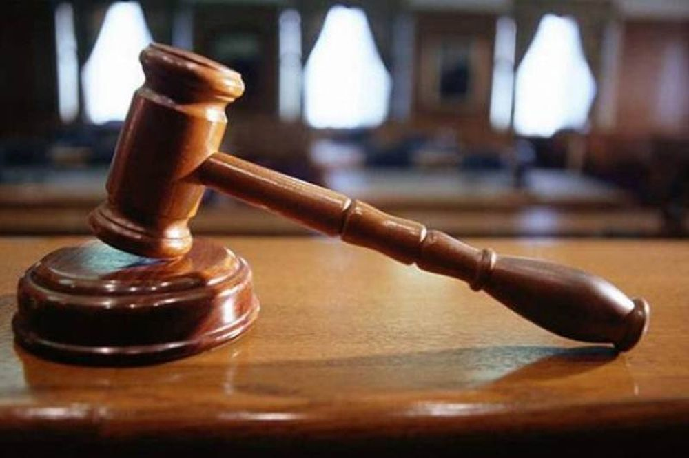 Παραιτήθηκε δικαστής που... αποκοιμήθηκε κατά τη διάρκεια δίκης!