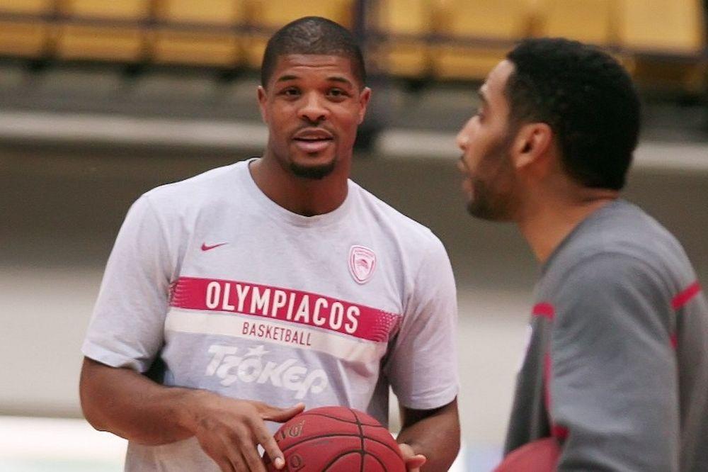 Χάινς: «Ο Ολυμπιακός πρέπει να κερδίσει τον Παναθηναϊκό»