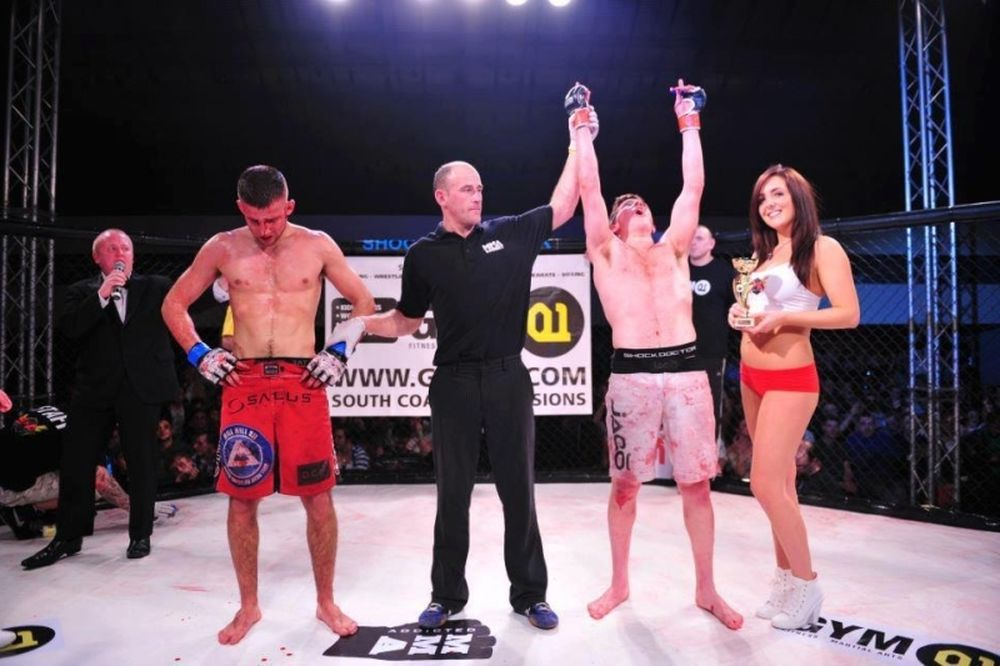 MMA: Τα δίνει… όλα η Poppy (photos)