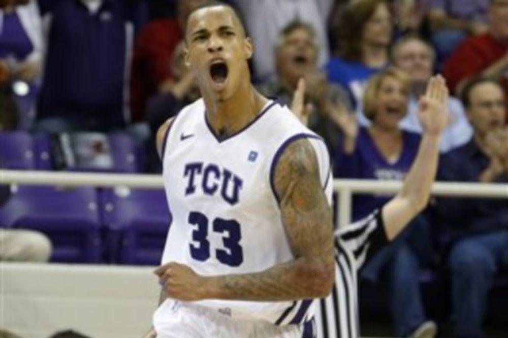 NCAA: Δεύτερη σερί ήττα για Κάνσας (videos)