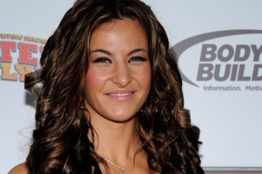 UFC: Δεύτερος γυναικείος αγώνας