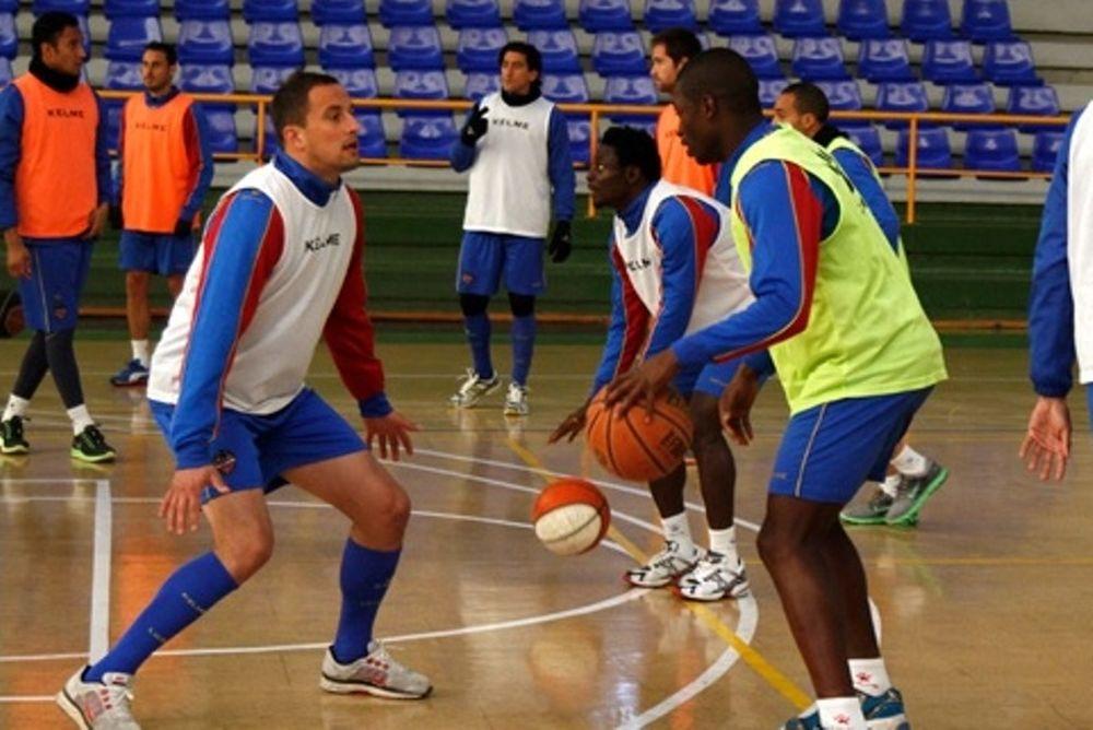 Λεβάντε: Μπάσκετ και ποδόσφαιρο σάλας για Ολυμπιακό! (photos)