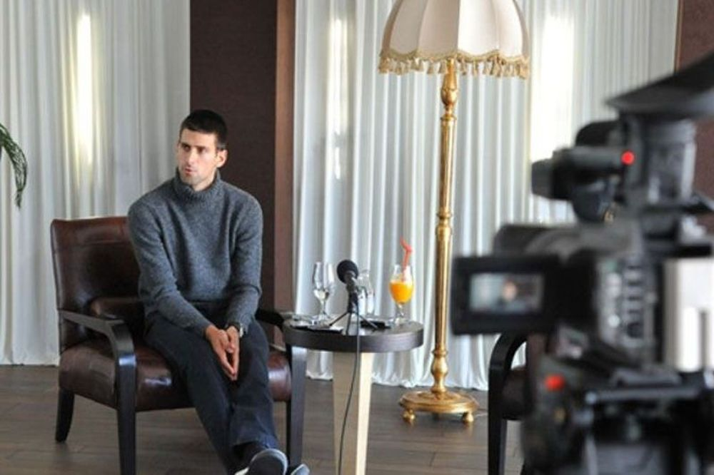«Nole for you» (video)