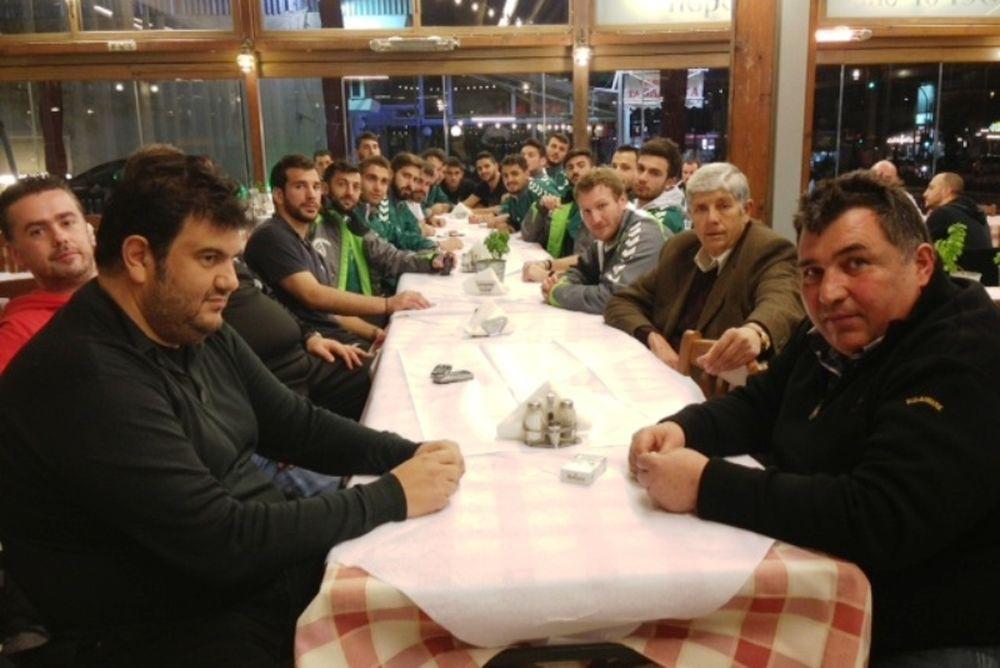 Περαμαϊκός: Γεύμα συσπείρωσης και… Ιωνικός