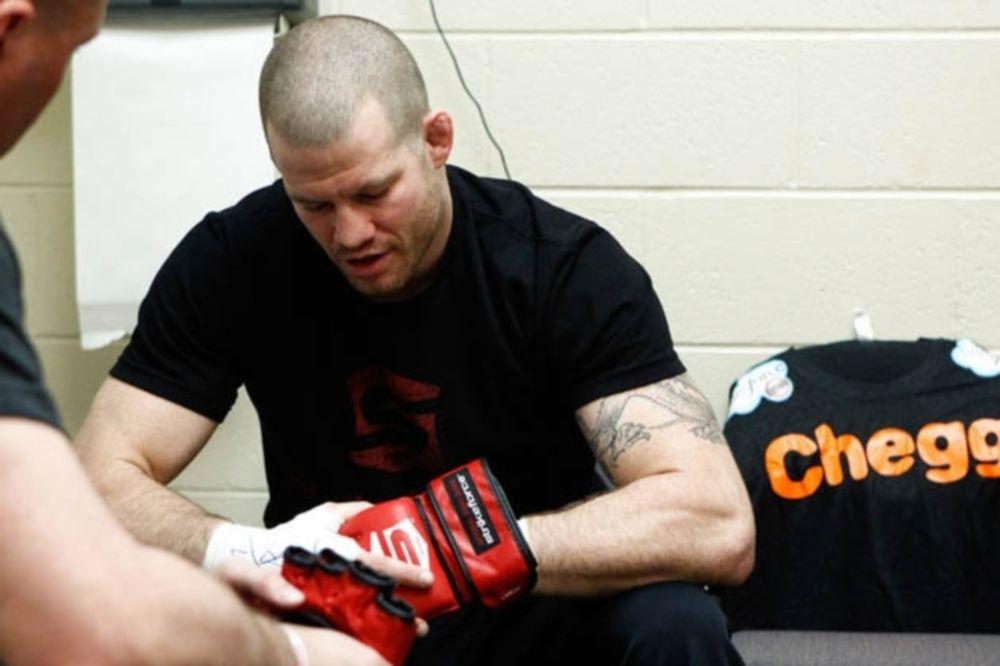 UFC 158: Τραυματισμός MacDonald και ντόμινο αλλαγών