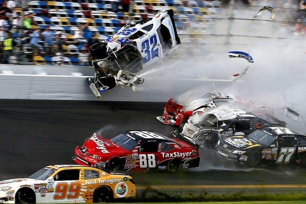 Daytona: Τρομακτικό φινάλε στη σαββατιάτικη κούρσα (video)