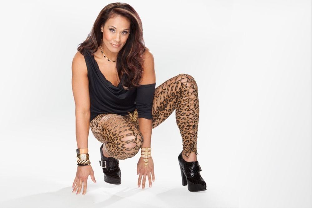 WWE: Διαφάνειες για Tamina (photos)