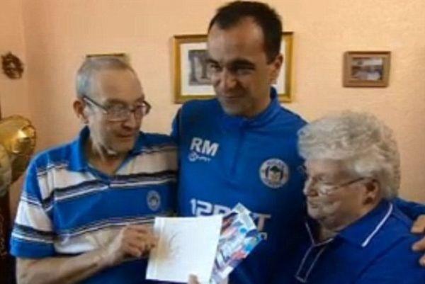 Γουίγκαν: Ζευγάρι ηλικιωμένων οπαδών πήρε εισιτήρια για τον τελικό από τον Μαρτίνεζ! (photos)