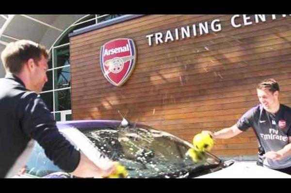 Άρσεναλ: Καθαρίζοντας το αυτοκίνητο του Βερμάλεν (video)