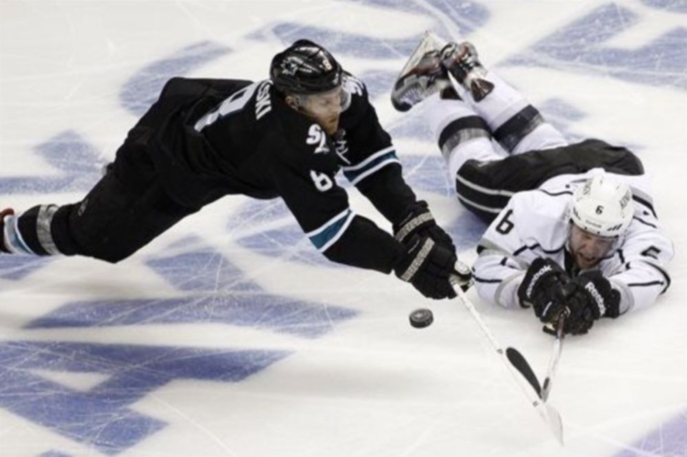 NHL: «Ζωντανοί» οι Σαρκς (video)