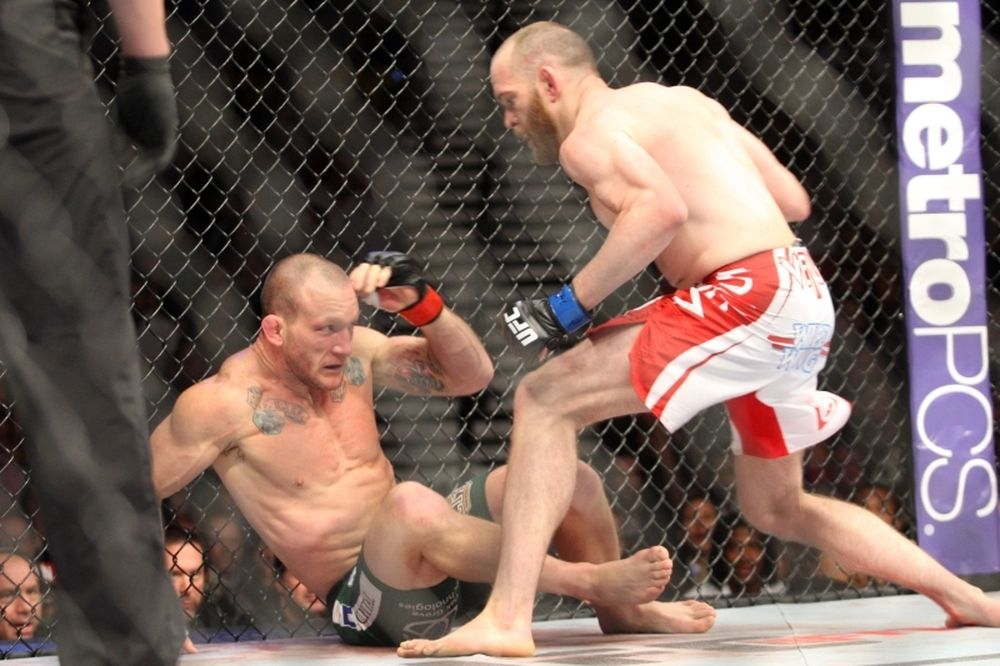 UFC: Πριμ για Grant από… Mike Tyson (video)