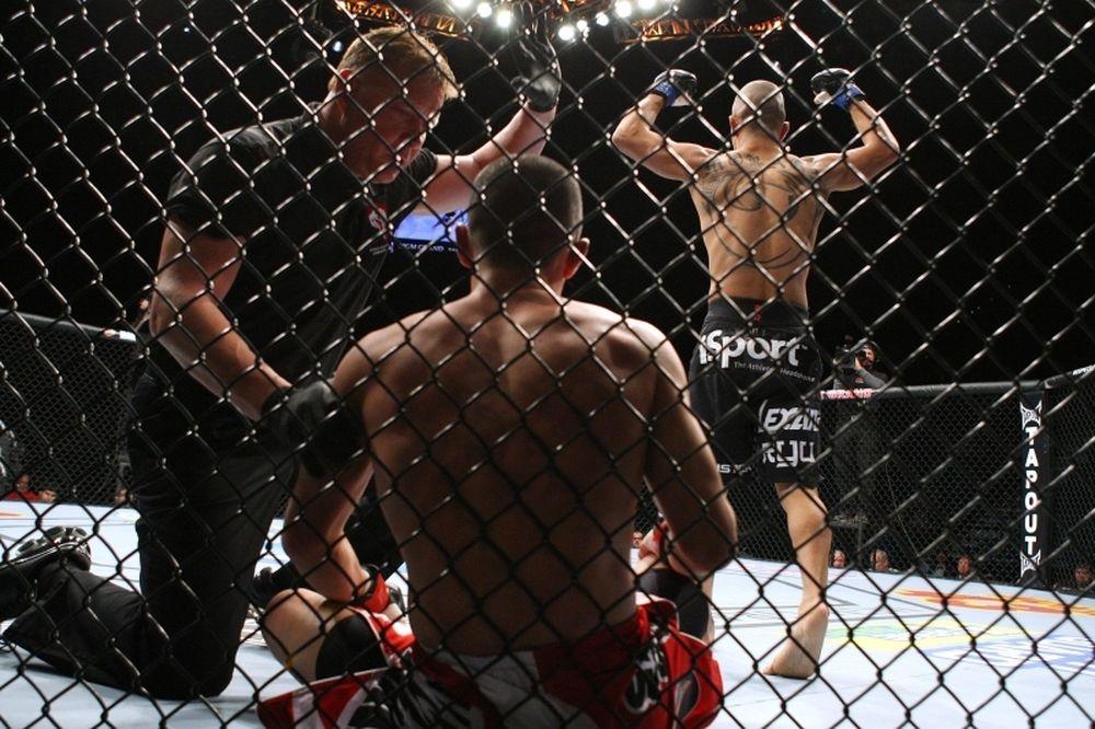 UFC on FOX 8: Αμφισβήτηση του πρωταθλητή Johnson