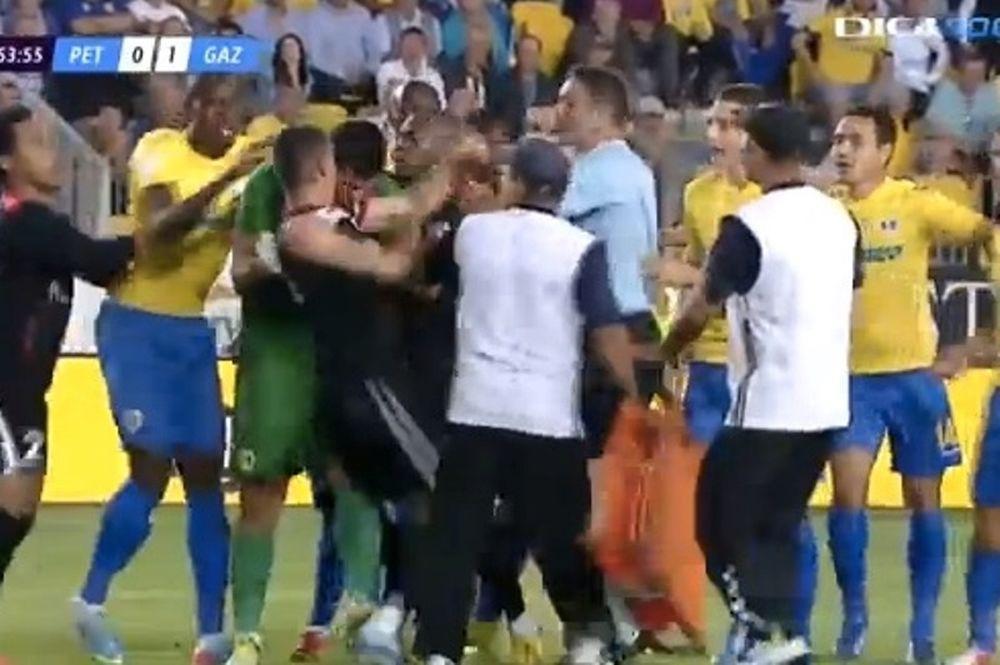 Ρουμανία: Παίκτης δάγκωσε αντίπαλο! (video)