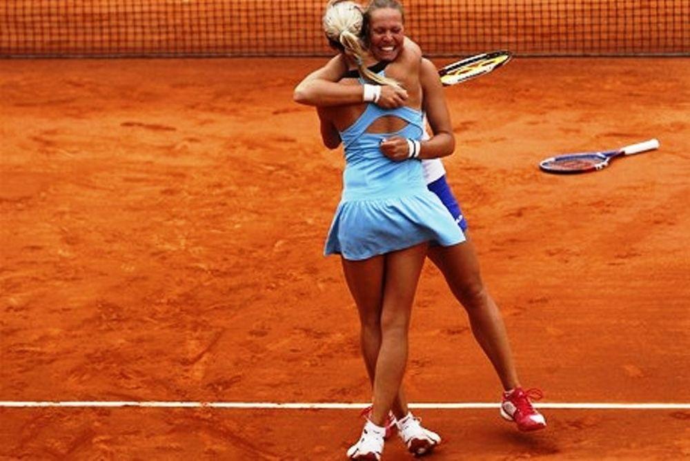 Roland Garros: Άνετα οι Χλαβάκοβα / Χραντέκα