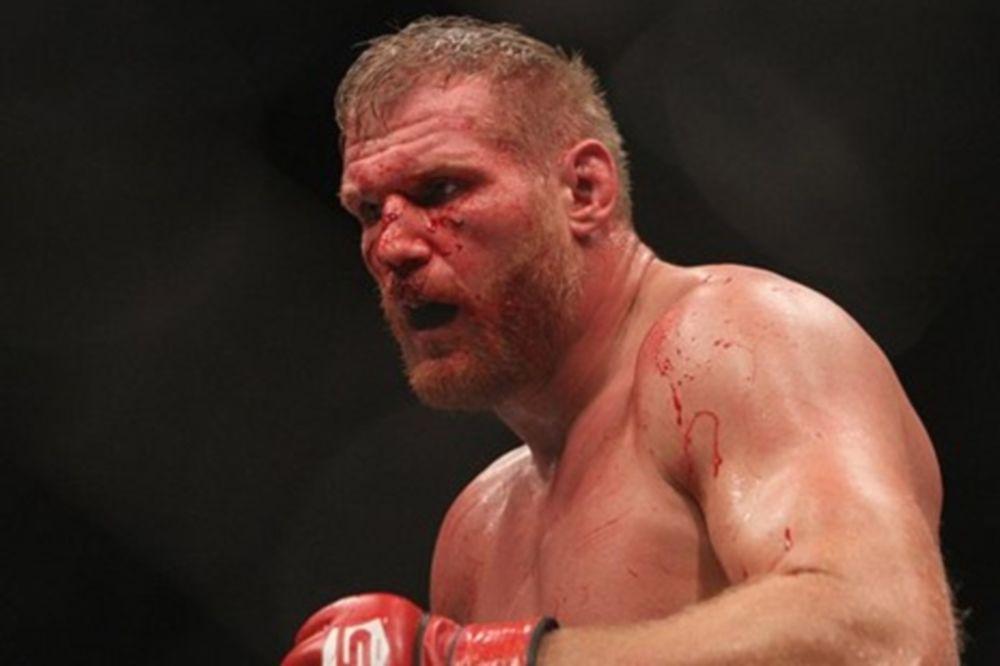 UFC 164: Τιτανομαχία «Mir vs Barnett»
