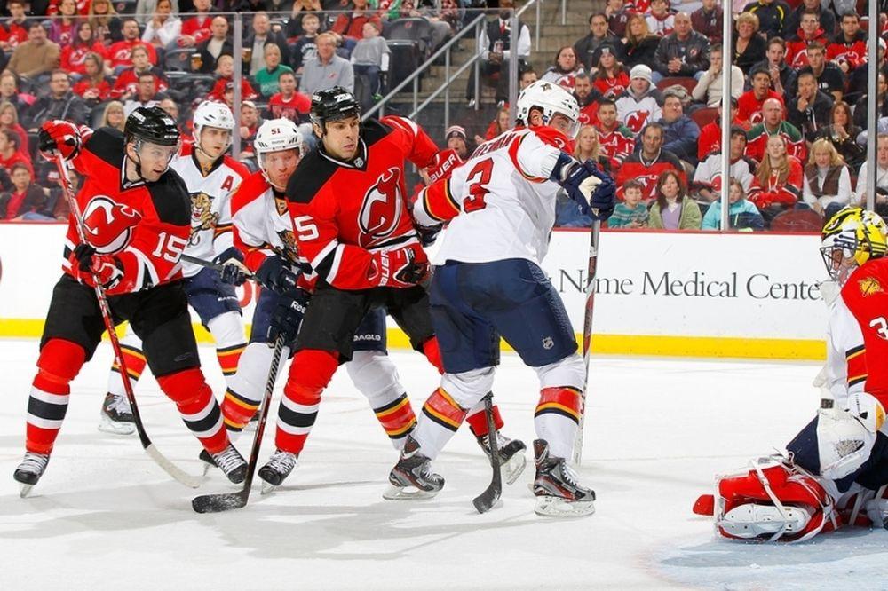 NHL: Συνεχίζει ο Κωστόπουλος στους Ντέβιλς
