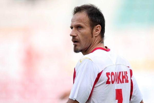Σολάκης: «Απαράδεκτο να συνεχιστεί το ματς»