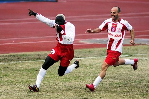 Ολυμπιακός Βόλου: Τέλος οι Πετκάκης, Ογκουνσότο