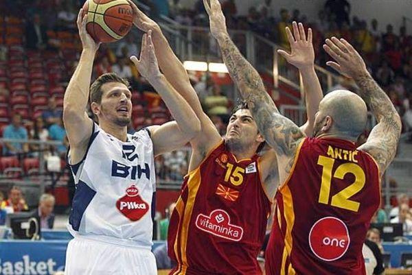 Ευρωμπάσκετ: Τάπα του Ράιτ και στο καπάκι… Τελέτοβιτς (video)