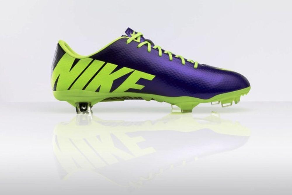 """Το Nike Football """"High Visibility"""" τραβάει τα βλέμματα (photos)"""
