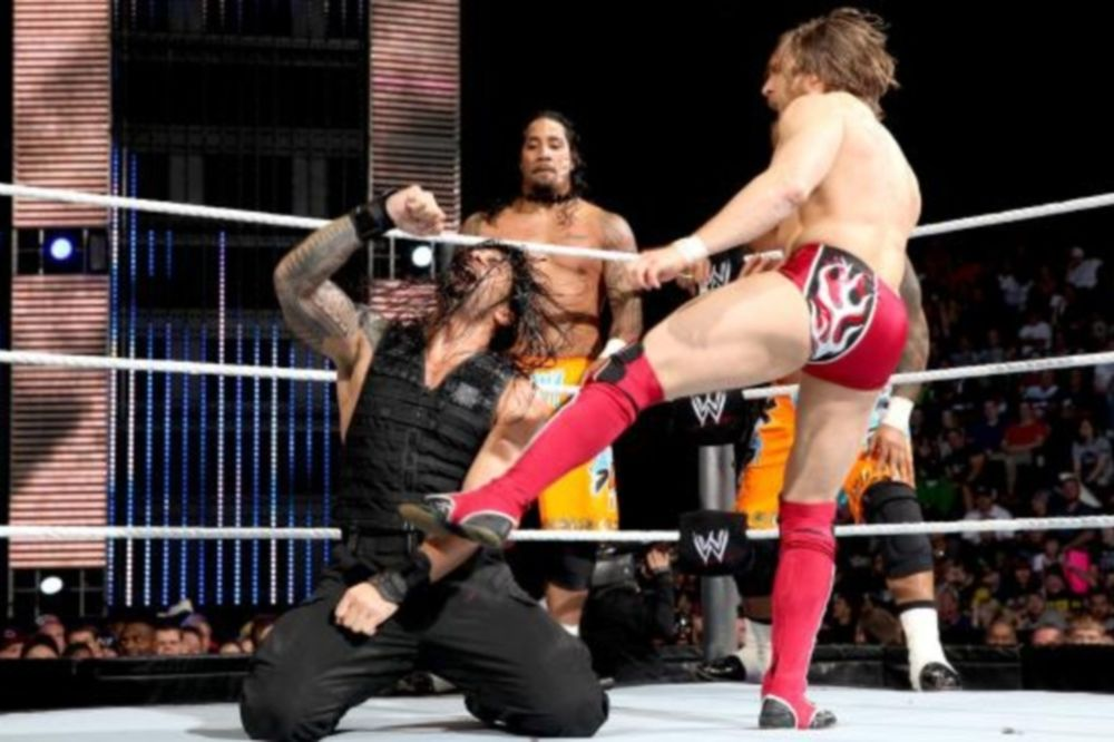 SmackDown: «Δούλεμα» και νίκη για Bryan (photos+videos)