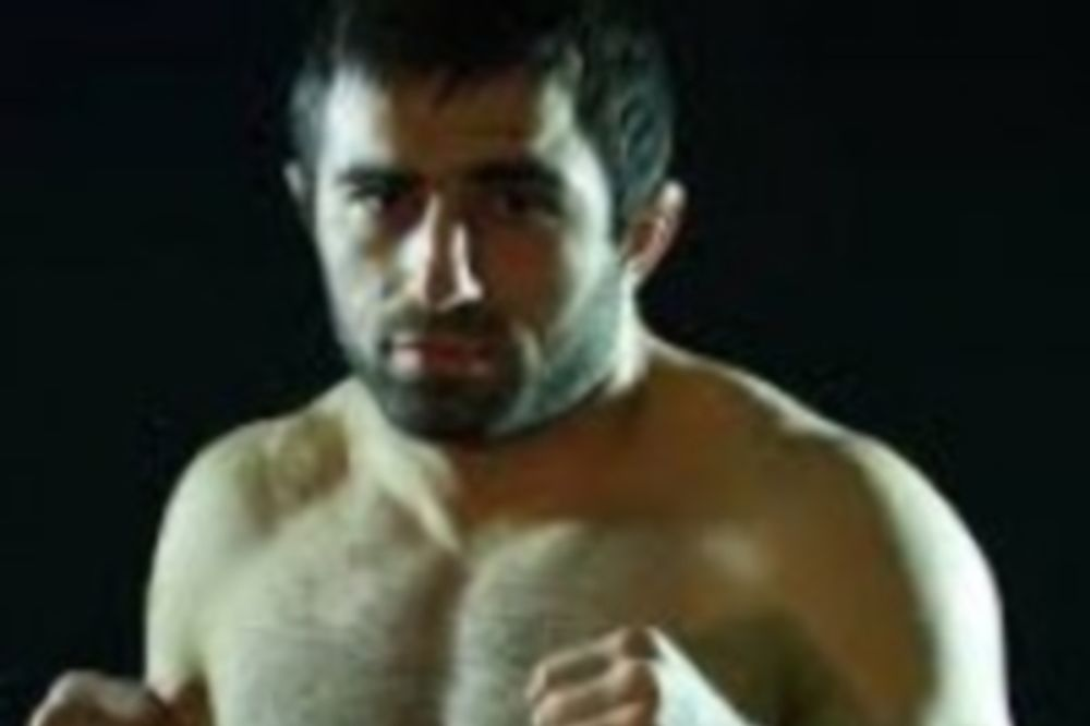 UFC Fight Night 32: Έφτασε και ο Akhmedov