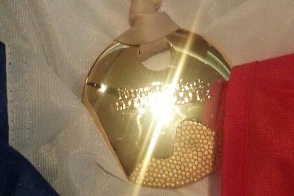 Γαλλία: «Τυφλώνει» η λάμψη του χρυσού (photo)