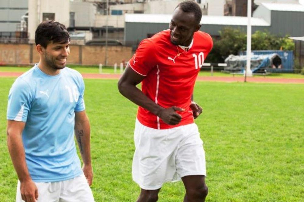 Ο Usein Bolt «τρέχει» τον Kun Agüero πριν το ντέρμπι του Manchester (photos+video)