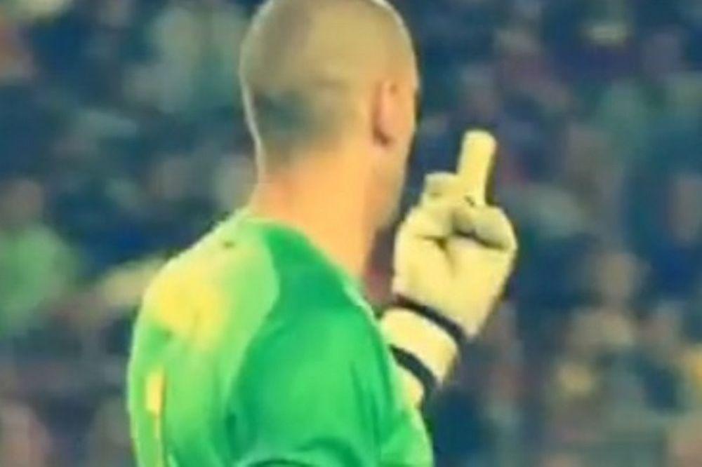 Μπαρτσελόνα: Ο Βαλντέζ έδειξε το μεσαίο δάκτυλο στον Πικέ! (video)