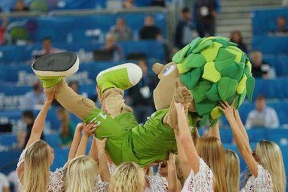 Ευρωμπάσκετ: Ο Λίπκο και το… χαρέμι του! (photo)