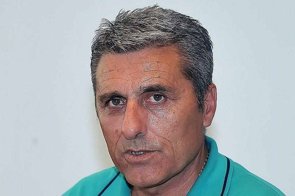 Βασιλακάκης: «Βοηθήστε την ομάδα»