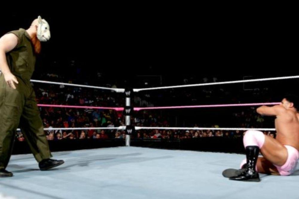 Main Event: Επιβλητικοί οι Wyatt Family (photos+videos)