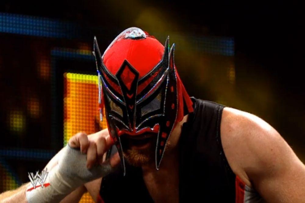 NXT: Βρήκε τη μάσκα ο… El Generico (video)