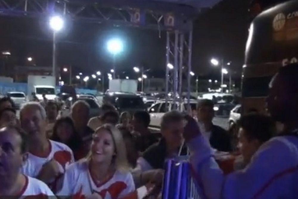 Ολυμπιακός: Έπαθε… με τους φιλάθλους ο Πέτγουεϊ (video)