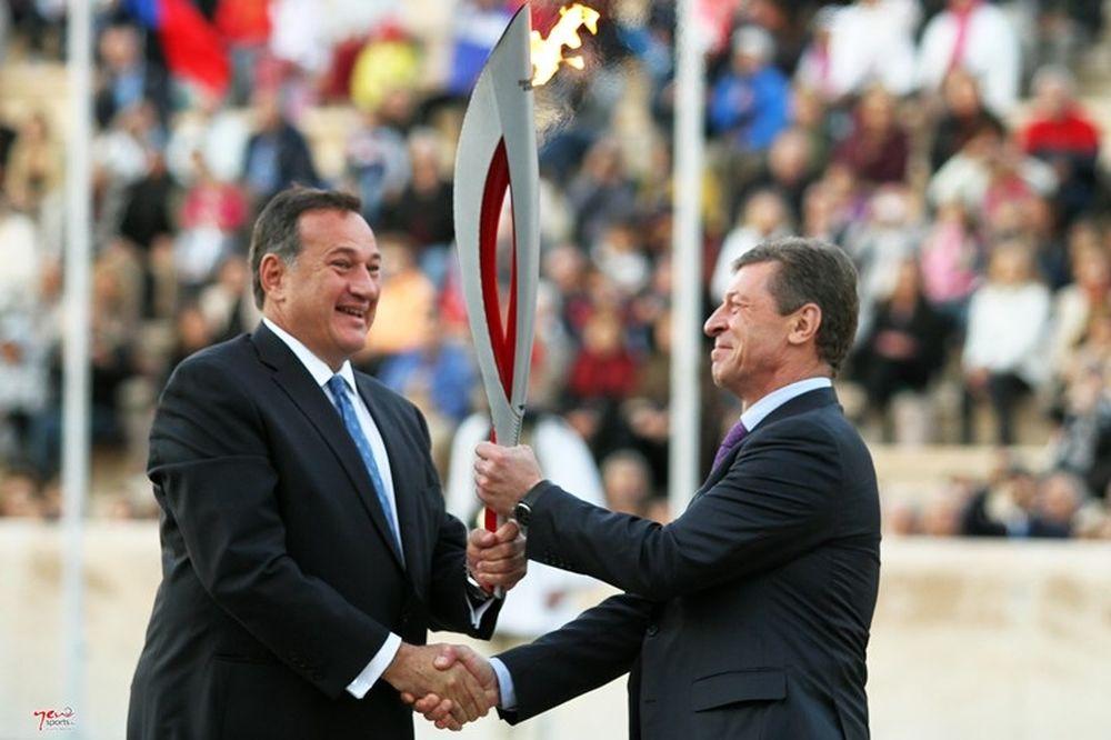 Ολυμπιακοί Αγώνες: Το… ταξίδι της Φλόγας για τη Ρωσία (photos)