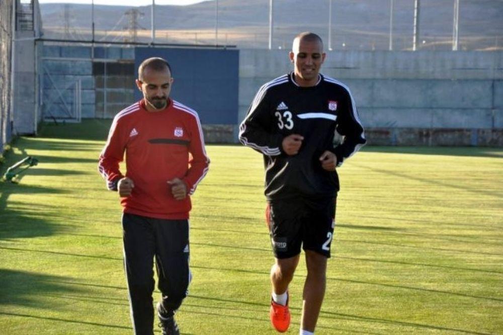Τουρκία: Πρώτο γκολ για Τζεμπούρ