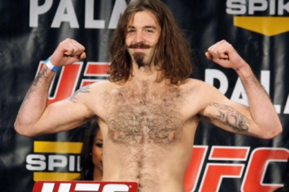 UFC on FOX 9: Επιστροφή για McKenzie