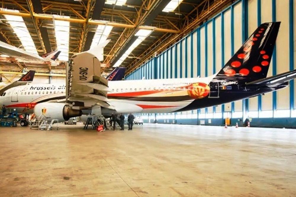 Βέλγιο: Ταξίδι με… διαβολικό αεροπλάνο (video)