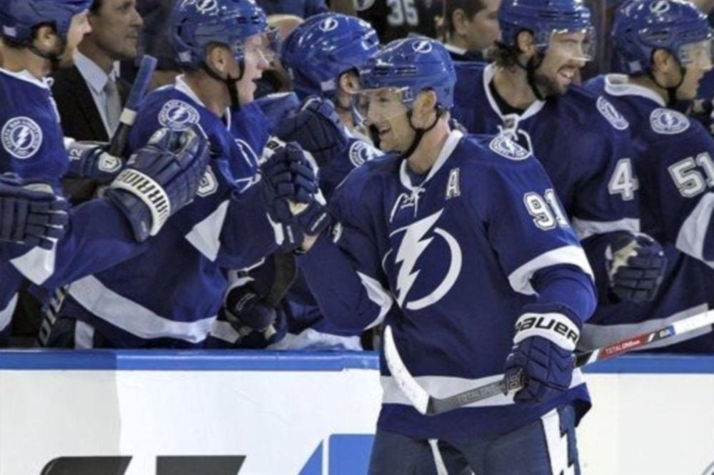 NHL: Χατ τρικ για Stamkos (videos)