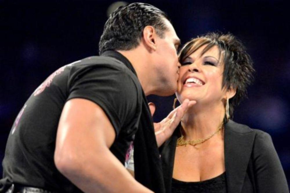 SmackDown: Δεν τη… σκαπούλαρε ο Del Rio (photos+videos)