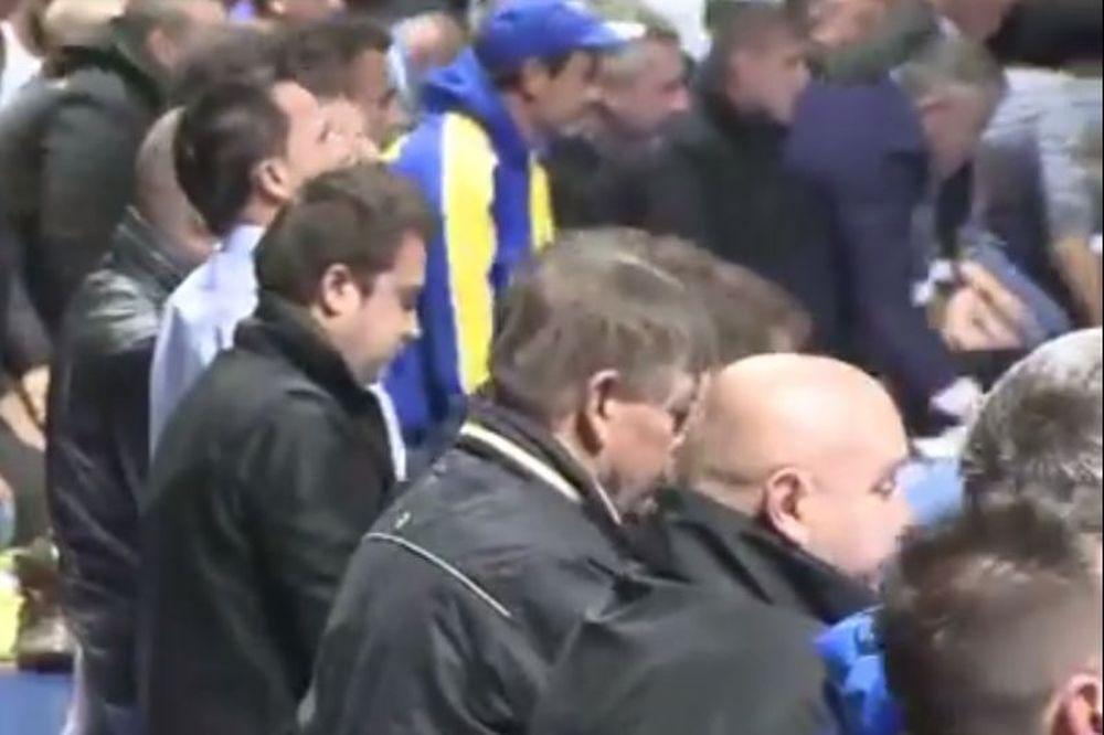 Βοσνία: Προσευχή... για Μουντιάλ (video)