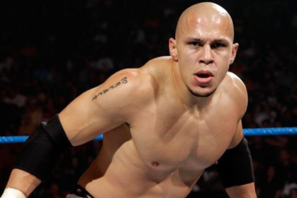 WWE: Αποσύρθηκε ο Low Ki-Kaval-Senshi