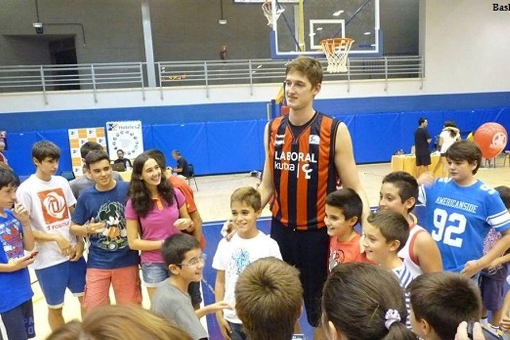Πλάις στο Onsports: «Από τις δυνατές ομάδες ο Παναθηναϊκός» (photos+videos)