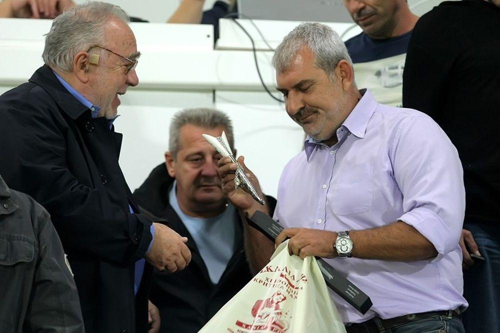 Ολυμπιακός: Τιμήθηκε ο Κόκκαλης στα Περιβόλια (photos)