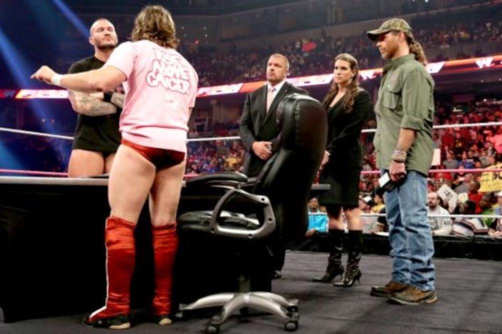 Raw SuperShow: Πήρε… θέση ο Shawn Michaels (photos+videos)
